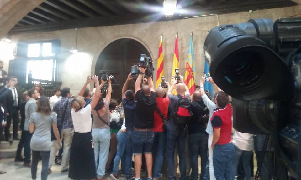 """Cumbre """"histórica"""" de Valencia y Catalunya por el corredor mediterráneo"""
