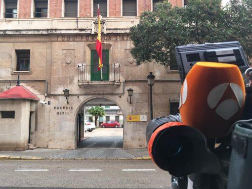 Directos frente a la Comandancia de la Guardia Civil de Valencia.